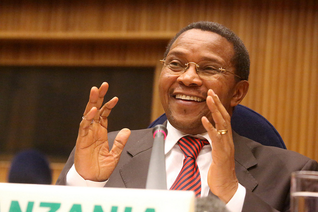 Kikwete lauds new TFF leadership, Malinzi disbands committees